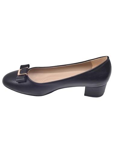 Ayakland Ayakland Alens 225 Büyük Numara 3 Cm Topuk Bayan Cilt Ayakkabı Siyah